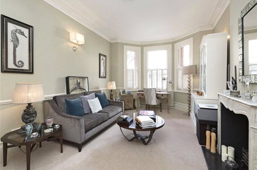 6 Stanley Mansions, Park Walk, London