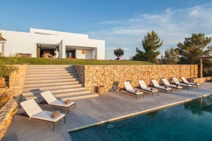 Ibiza: Chill In The Hills